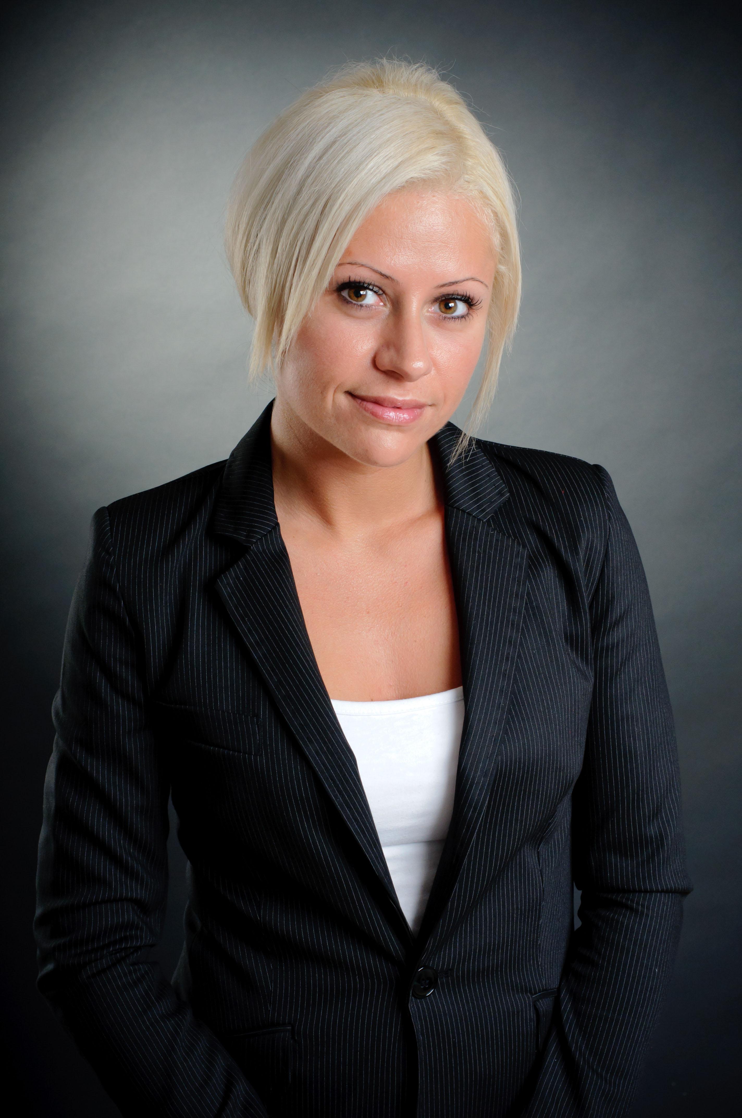Leslie Moulas - LR